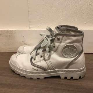 Palladium Sneakers Sz 38