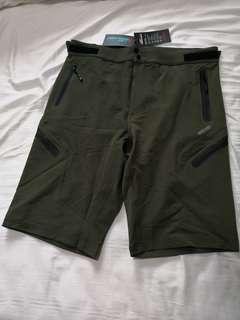"MTb shorts (34"" - 36"")"