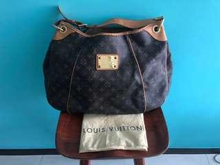 Louis Vuitton Galleria GM
