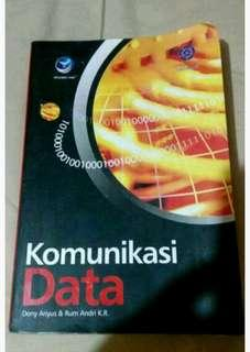 Buku pelajaran pengantar komunikasi data