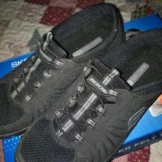Skechers flex