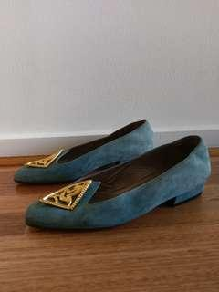 Beautiful Vintage Suede Bally Flats size 5