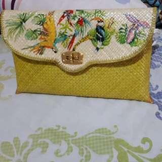Tas Anyaman Kuning