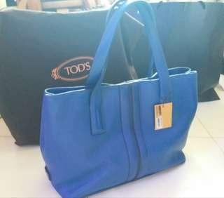 低至3折! tod's 真皮藍色大 tote bag 手挽袋 (用過1次,幾乎全新。附塵袋)(47×30×15 cm)100%真貨。可一起到專門店驗貨