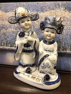 Couple in Marital Bliss Porcelain from 80s to 90s (心心相印, 粉脸青花人物)