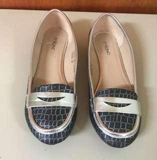 Milano shoes (size 6)