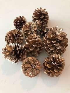 Gold pine cone pack of 10 units