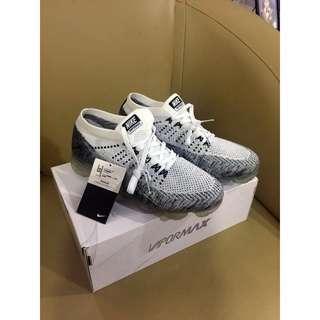 Nike air VAPORMAX white grey