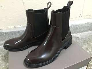 🚚 Charles Keith 小ck Chelsea boots