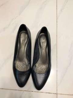 M&S 馬莎黑色牛皮高跟皮鞋