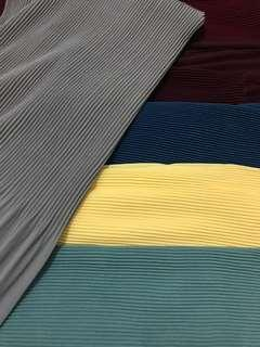 Semi pleated shawl