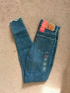 New w/ Tags, Levi's 720 Size 24