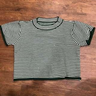 FREE MAIL💕green and white stripes crop top