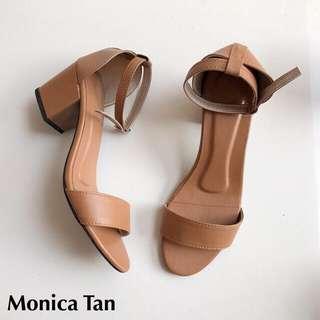 PRELOVED: Block heels sandals size 7
