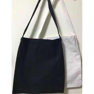 🚚 Canvas Plain Korean Style Tote Bag (L) good/thick material
