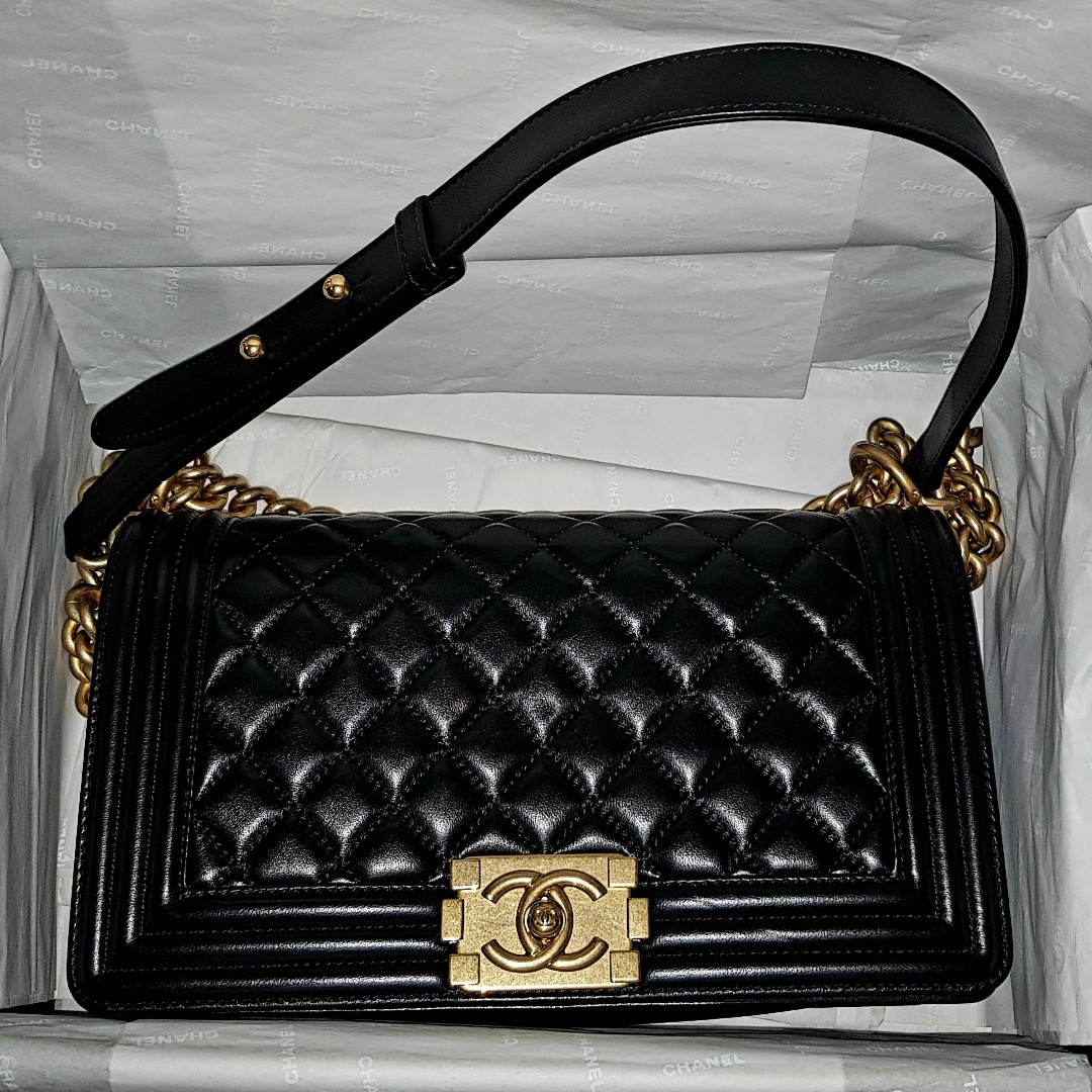 024f2dc806d0 CHANEL BOY Bag Medium GHW Black, Luxury, Bags & Wallets, Handbags on  Carousell