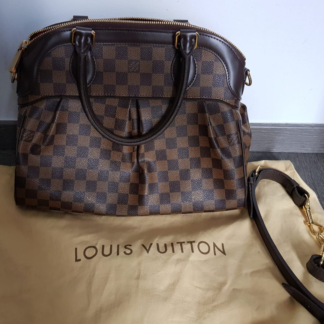 868a5040540b Louis Vuitton trevi PM Damier (Leather) Authentic