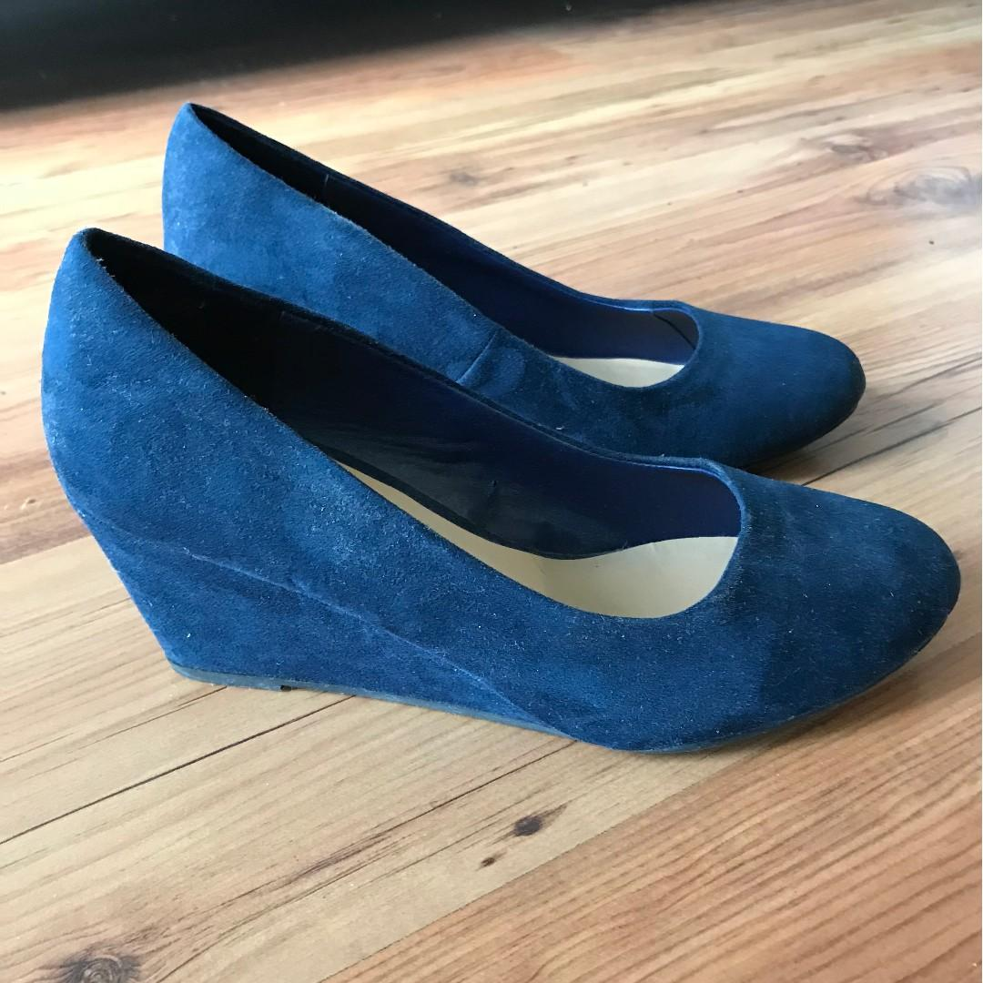 NEW Blue suede style shoes - platform style size 8.5