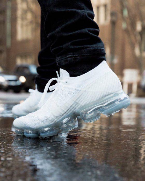 738b199ec22 Nike Air Vapormax Flyknit  White Christmas