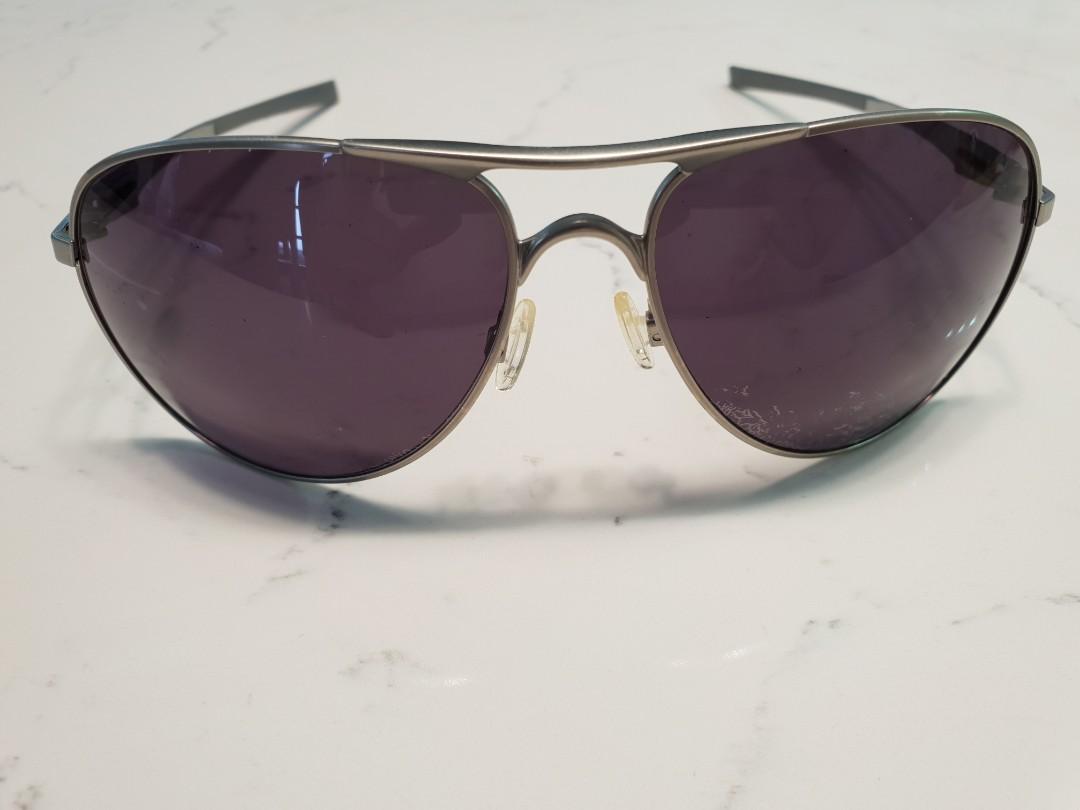 6354b1eb10c3 Oakley Plaintiff Ducati Sunglasses, Men's Fashion, Accessories ...