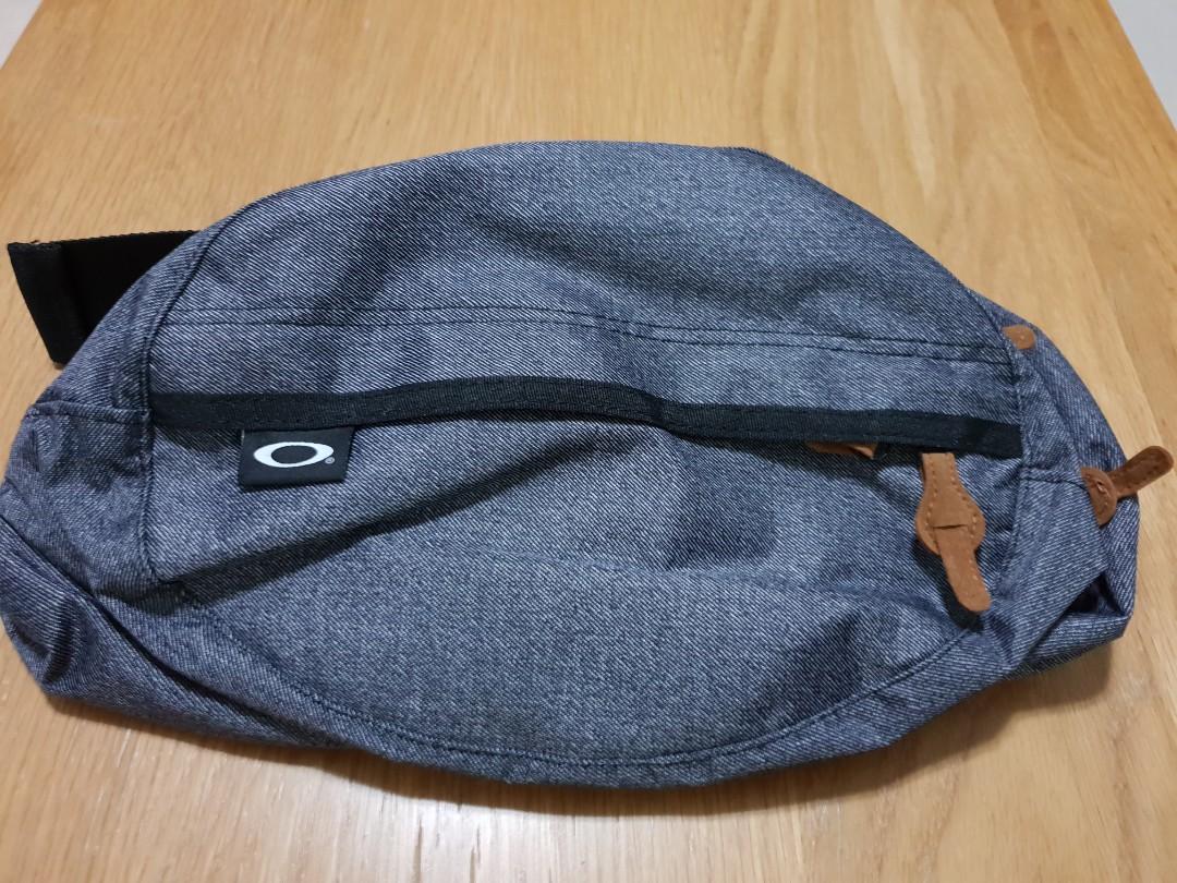 Oakley waist pouch 4a3845d272234