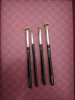 Lamora eye brushes