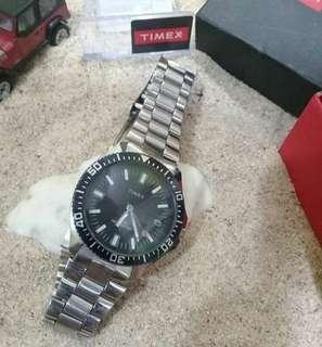 Jam tangan Timex Diver