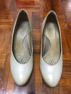 Ecco - Grey Block Heels