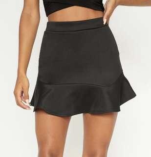 Pretty Little Thing black mini skirt - US 2 / XS