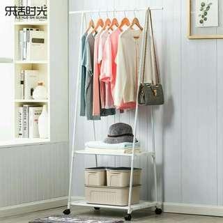 Triangle stand / Rak Hanger Baju Serbaguna dengan Roda
