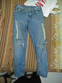 True religion ripped jeans