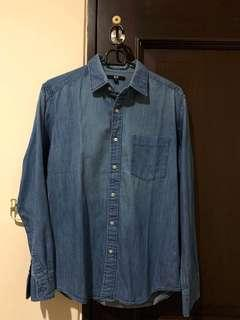 UNIQLO denim shirt size small