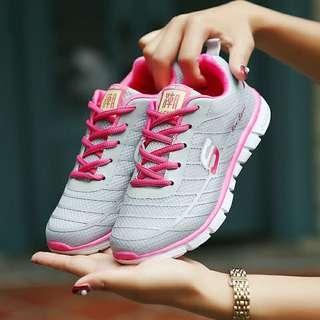 Woman sneaker