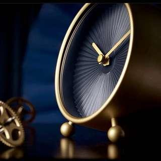 Gold black plisse clock pleated fold Alice in wonderland