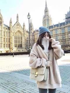 🚚 2018冬季溫柔可愛奶茶色絨毛立領上衣