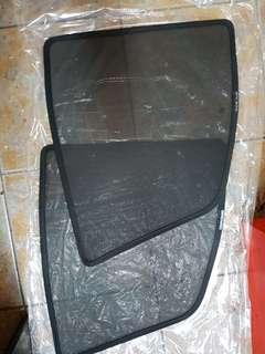 Nissan Nv200 magnet shade. With clip included.