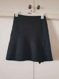 SABA Black Knitted Skater Skirt with White Pinstripes Size 6/xS