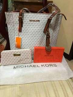 Michael Kors High Ended Quality of Bag and Wallet