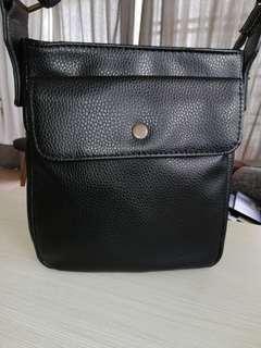 H.E. MANGO Portable Sling Bag 💰 CNY ONG $120 Rebate 🛒 FLEX $AVER 1+1!  ⛑️ RESERVED 48HRS