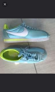 Japan limited edition Nike