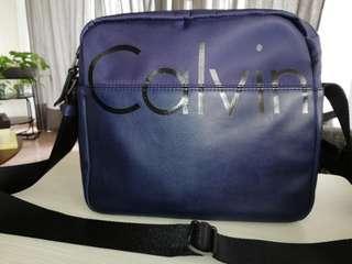 Calvin Klein Man Sling Bag 💰 CNY ONG $630 Rebate 🛒 FLEX $AVER 1+1! ⛑️ RESERVED 48 HRS 🚚 FREE DELIVERY till offer ends!