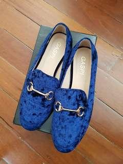 BNIB Freelance Shoes Blue Velvet Flats Size 8/39
