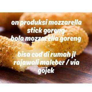 Mozzarella stick goreng