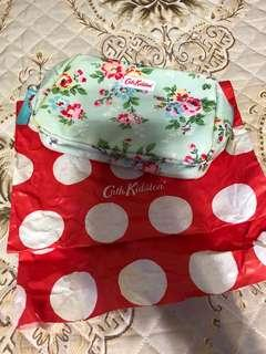 Cath Make Up Pouch