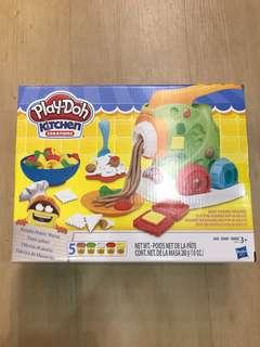 FREE NM PLAY DOH noodle makin mania