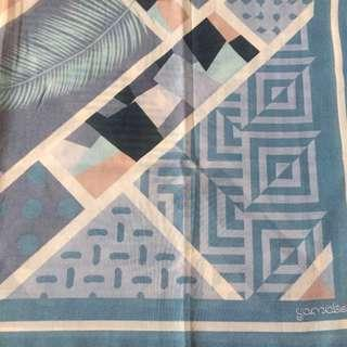 Segi 4 voal printed motif