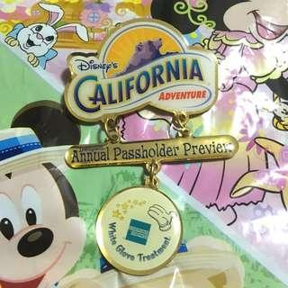 美國加州迪士尼AE會員襟章2001 (Disney California Adventure - American express - created exclusively for annal passholders)