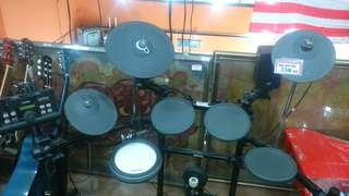 Yamaha Electric Drum Set