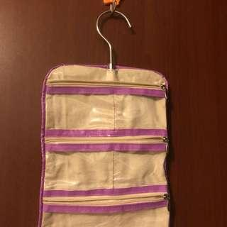 TRAVEL HANGING BAG