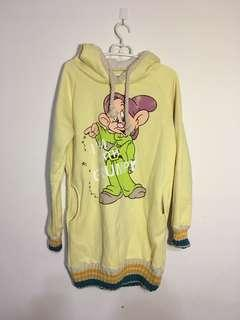 🚚 超溫暖迪士尼小矮人插畫內刷毛長版連帽上衣